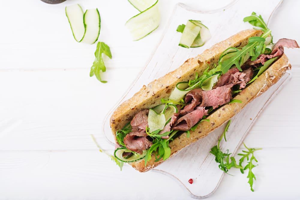Foto de Sanduíche de carne com maionese picante por WW