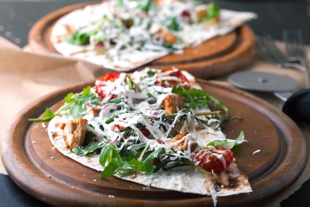 Foto de Pizza de Frango, Rúcula e Tomate por WW