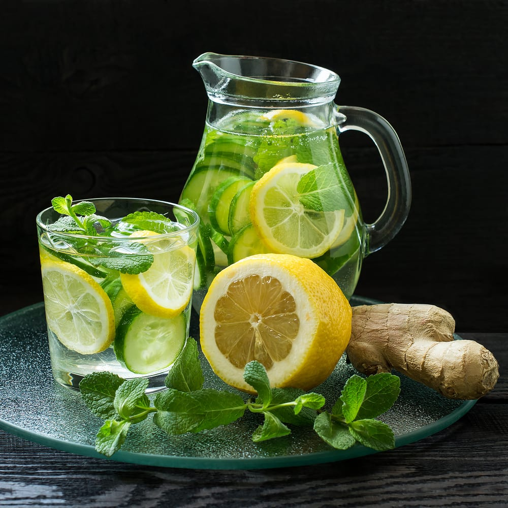 Foto de Água saborizada com pepino, limão e gengibre por WW