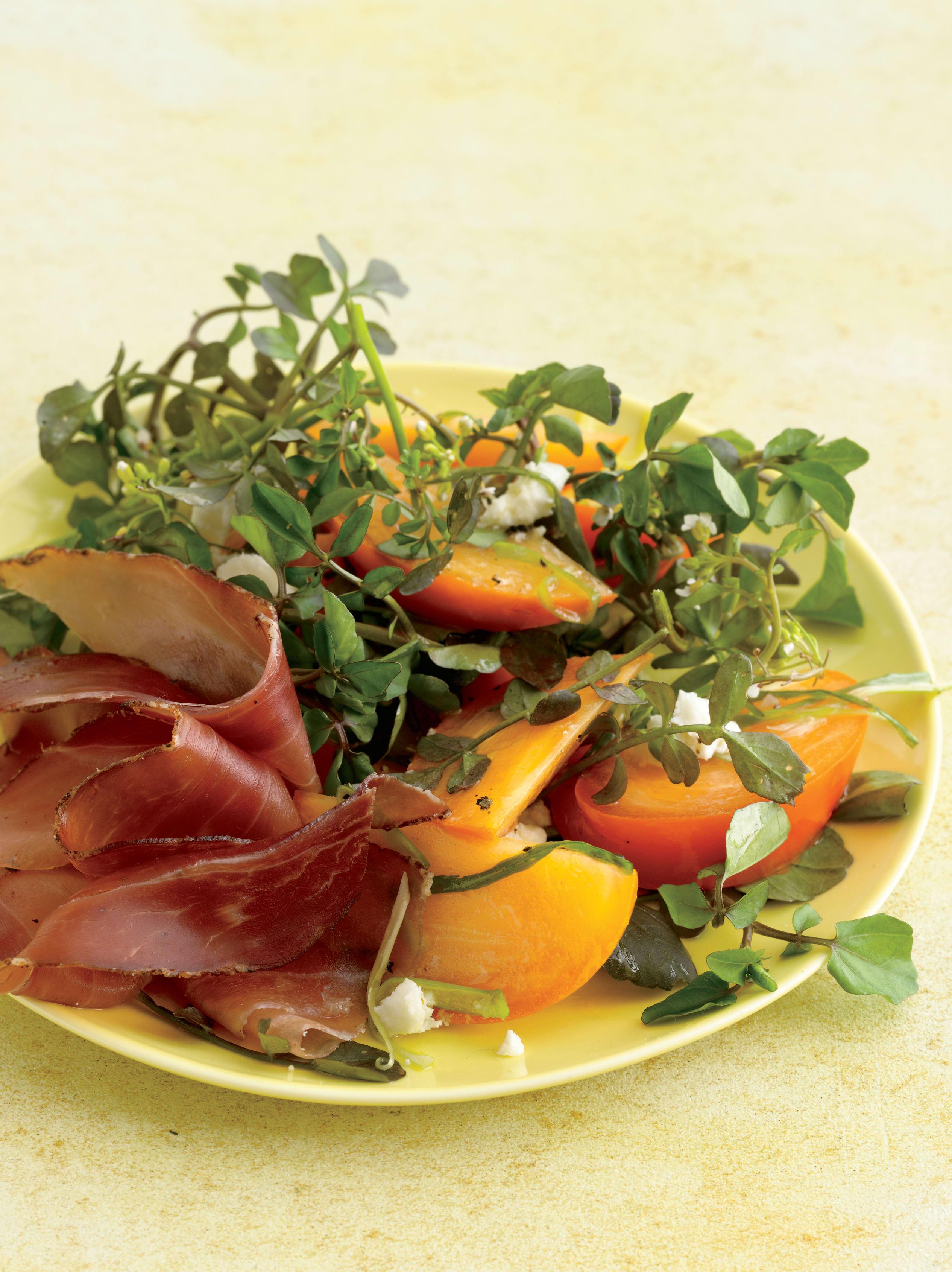 Foto de Salada de Agrião com Caqui e Vinagrete Agridoce por WW