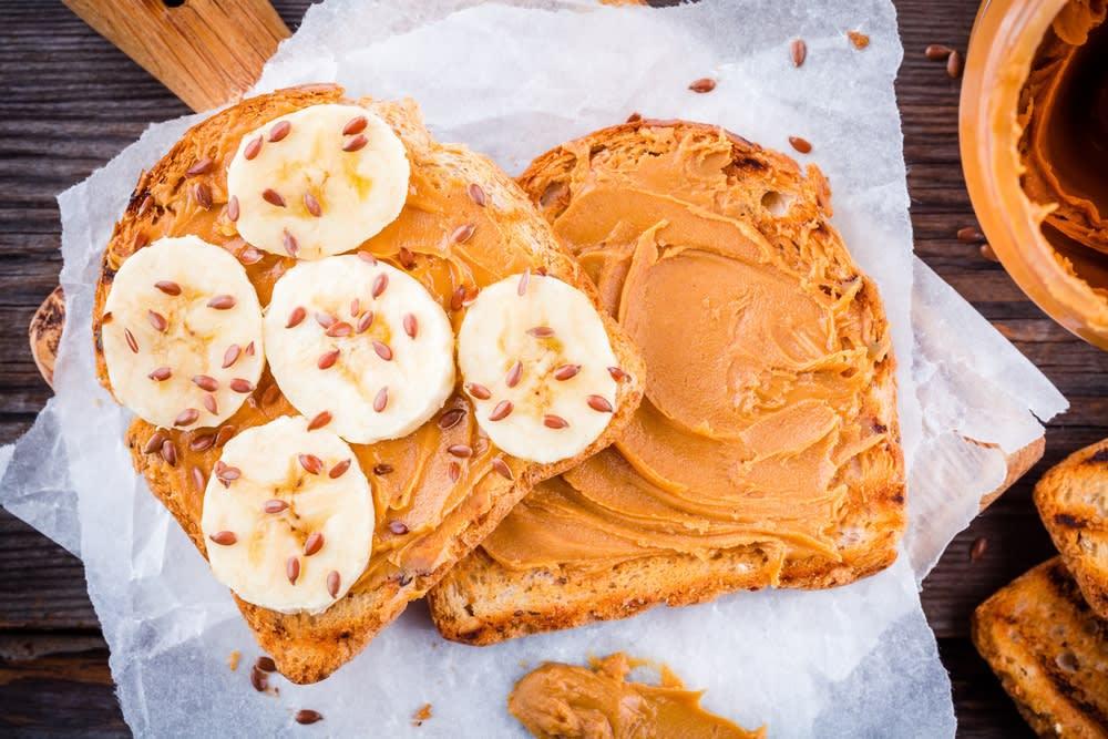 Foto de Torrada com Pasta de Amendoim, Banana e Linhaça por WW