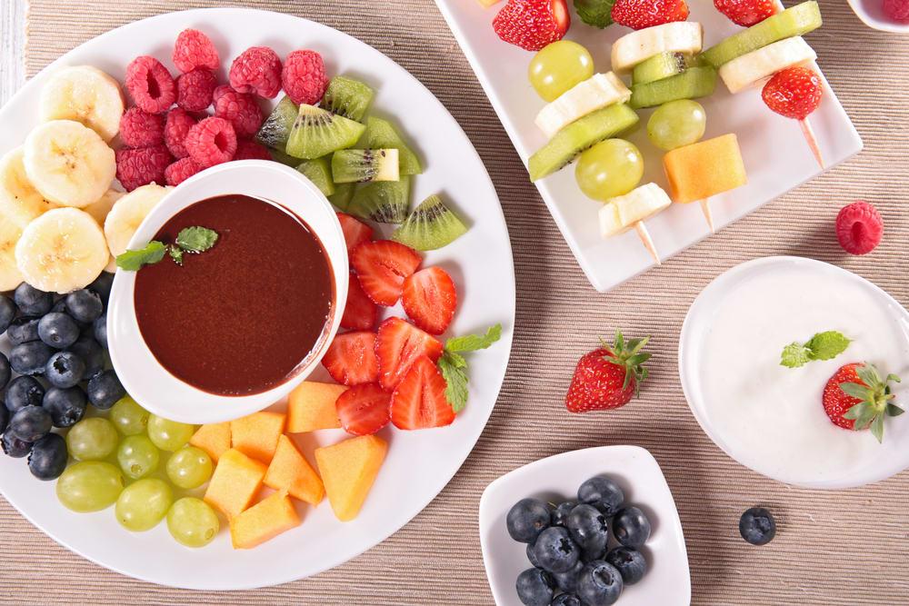 Foto de Frutas Frescas com Calda de Chocolate por WW