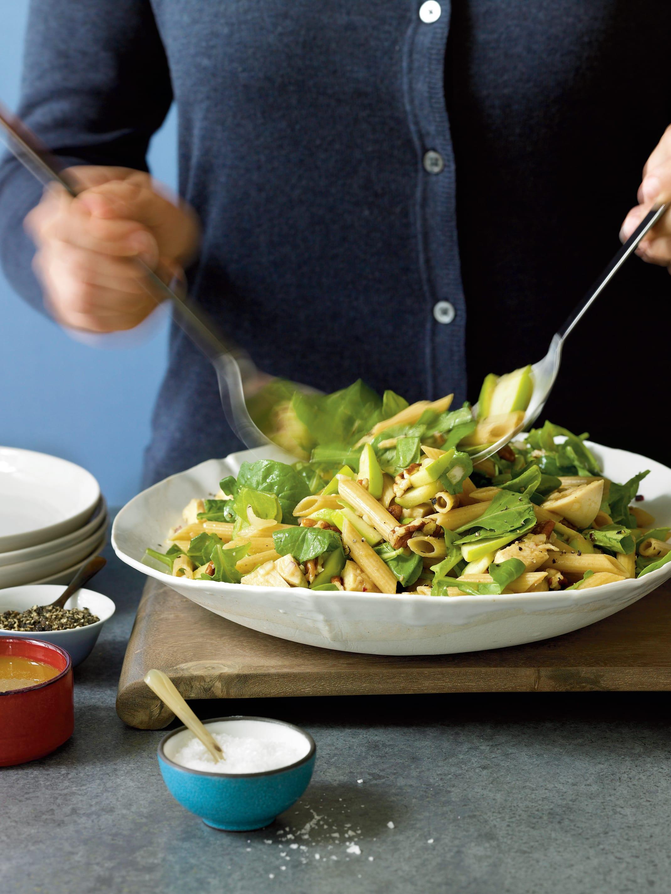 Foto de Salada de Penne com Frango e Maçã Verde por WW