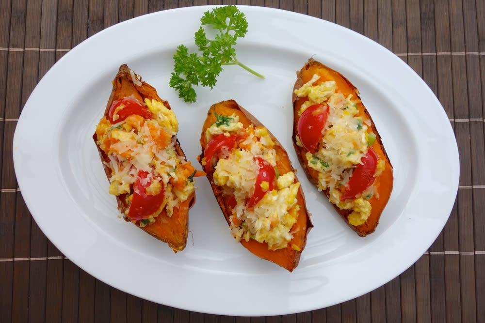 Foto de Batata-Doce com Tomate e Ovos Mexidos por WW