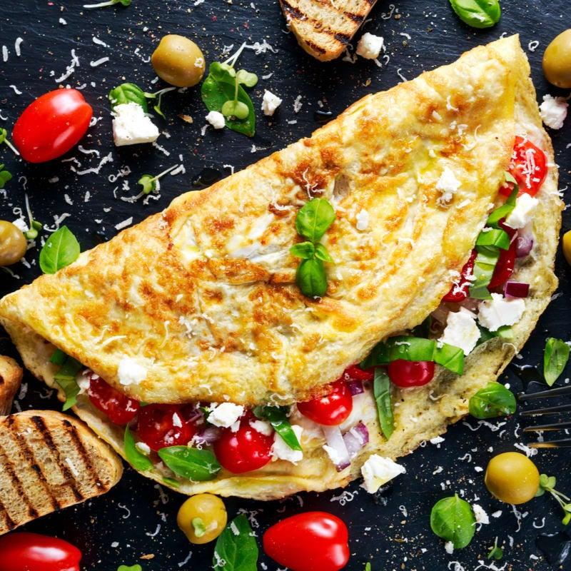 Foto de Omelete com queijo, tomate e espinafre por WW