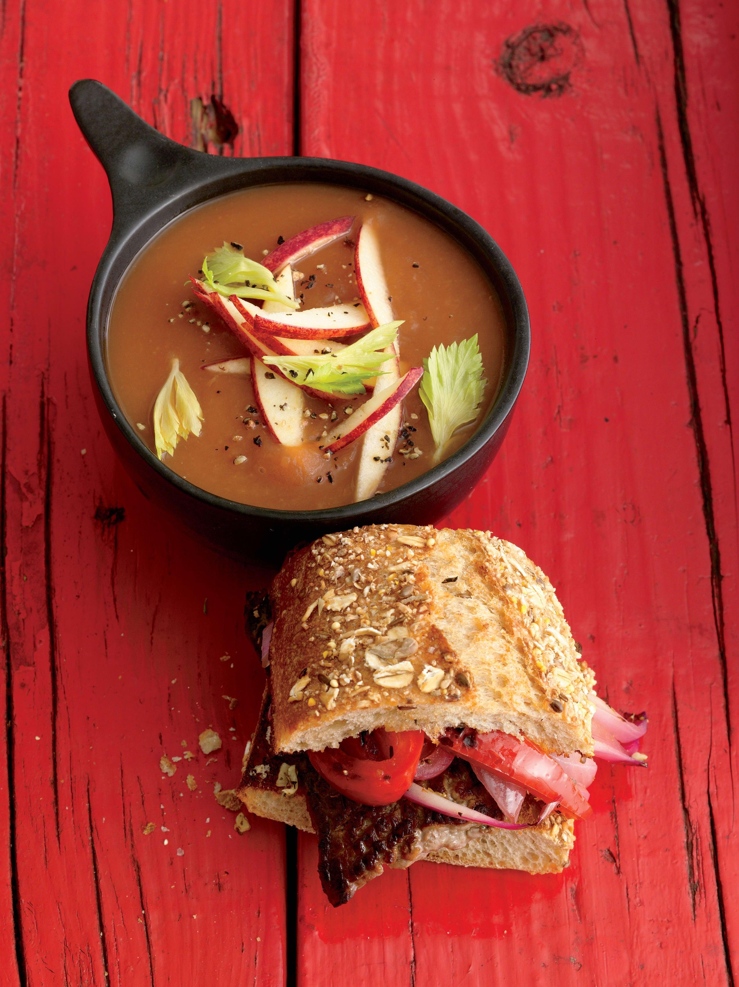 Foto de Sopa-Creme de Tomate com Maçã por WW