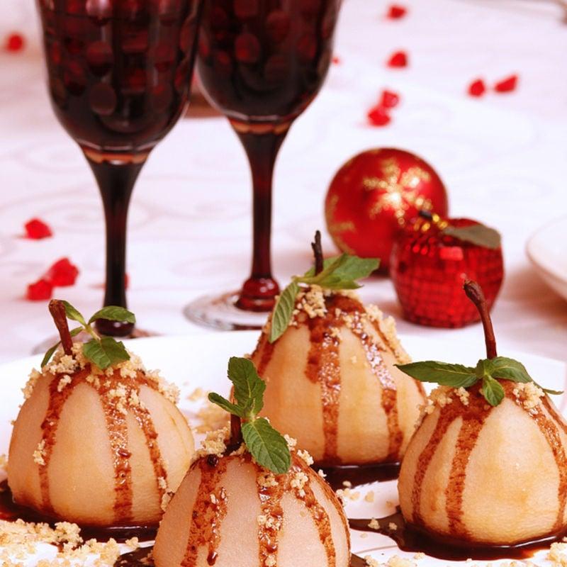 Foto de Peras cozidas com calda de chocolate por WW