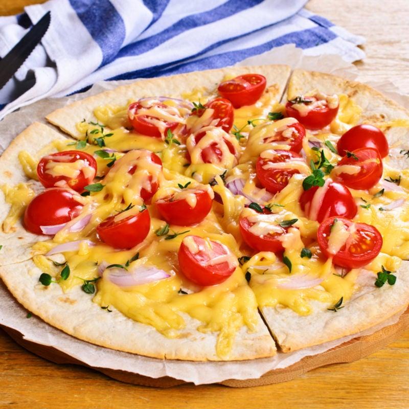Foto de Pizza com Massa de Tortilla por WW
