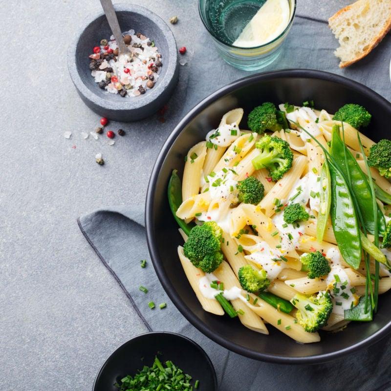 Foto de Salada de massa com legumes e molho de iogurte por WW