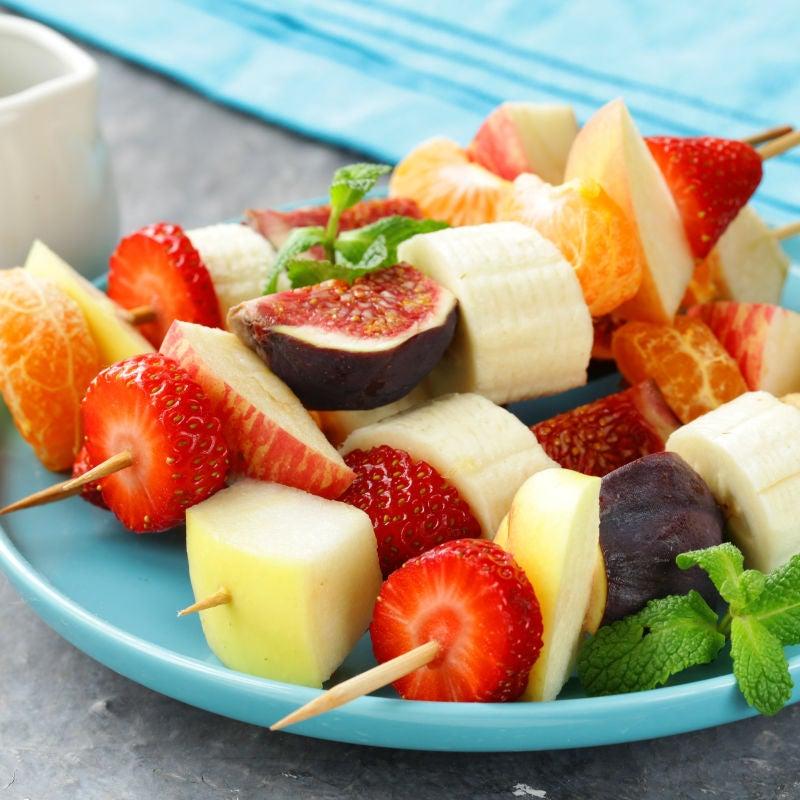Foto de Espetinho de Frutas com Molho de Iogurte por WW