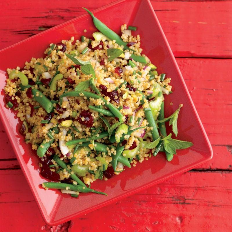 Foto de Quinoa ao Curry com Frutas Secas e Hortelã por WW